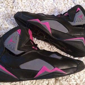 Girls size 5 youth jordan flight pink and black